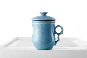 Roundish Tea Steeping Cup With Blue Crackle Glaze